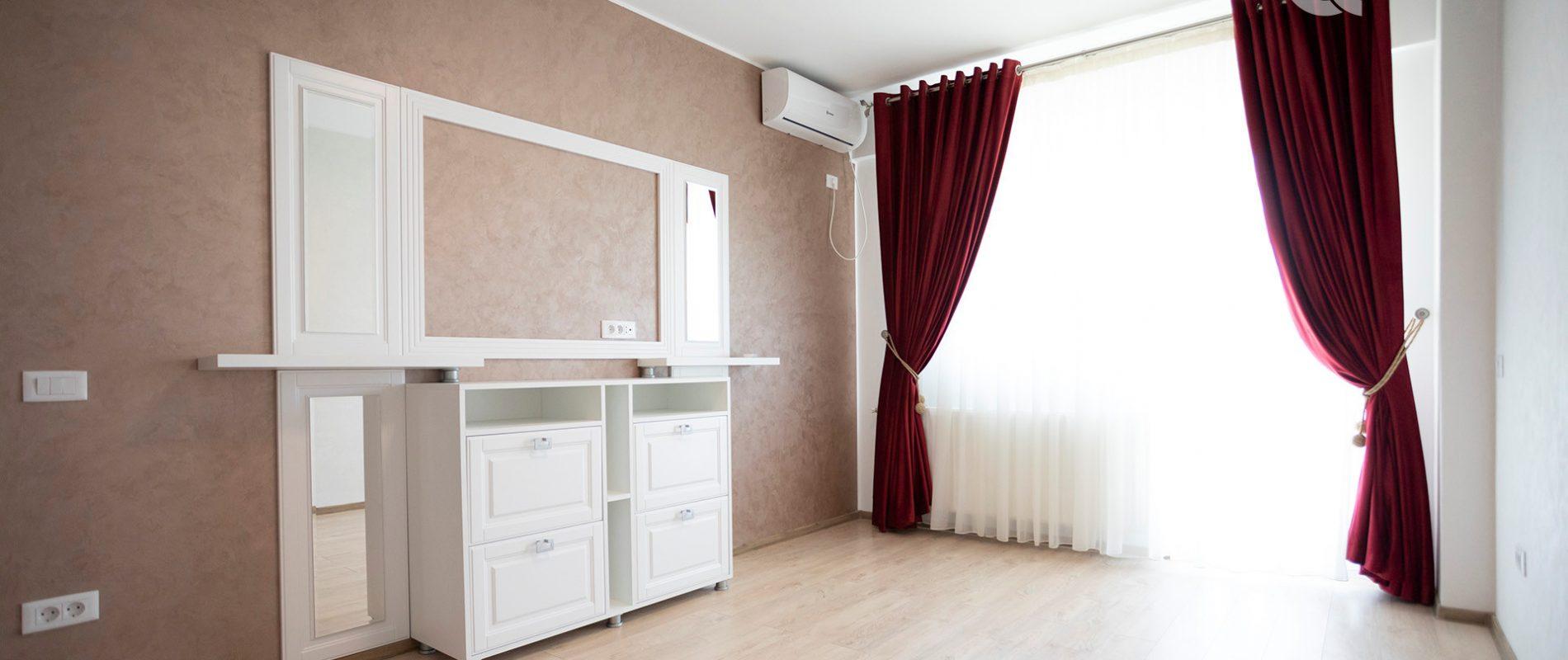 q-residence.ro-apartament-cu-o-camera-mobilier-clasic-camera-04